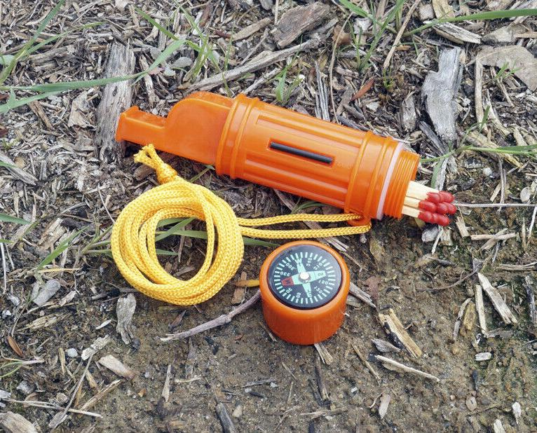 SE - Whistle - 5-in-1, Compass, Lanyard, And Compass - CCH5-