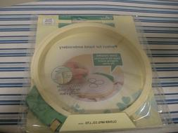 Set of 2 Brand New in Package CLOVER HAND EMBROIDERY HOOPS: